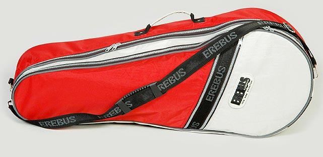 Спортивная сумка для тенниса.